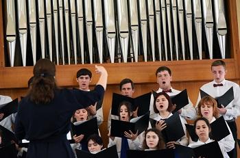 Астрахань восславила Пасху органным концертом. При поддержке ЛУКОЙЛа