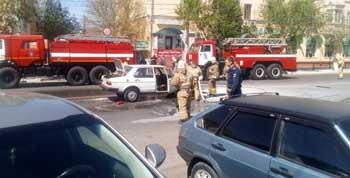 На Боевой посреди дороги загорелось детище российского автопрома