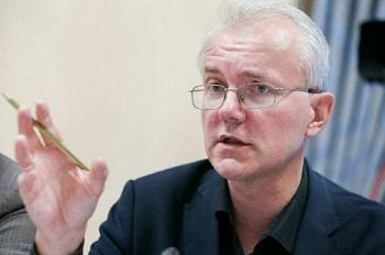 Депутат Госдумы Шеин грозит астраханскому губернатору Морозову выборами
