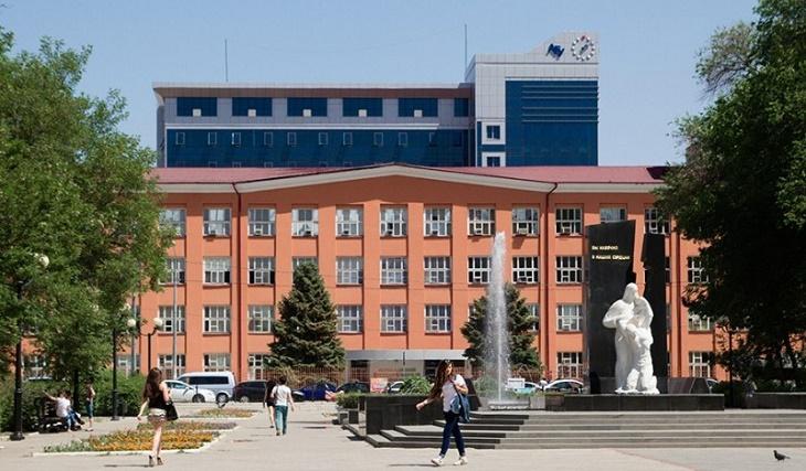 АГУ заплатит своему сотруднику полмиллиона за поиск абитуриентов в Казахстане