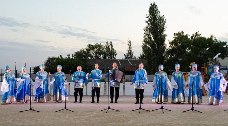 Астраханский народный хор выступил в Крыму