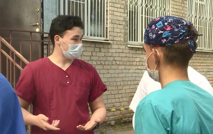 В обсервацию отправилась астраханские студенты-медики