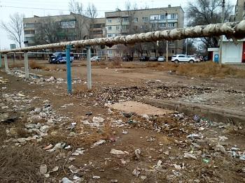 В Астрахани на месте пляжа и рыбалки – теперь камыш и мусор