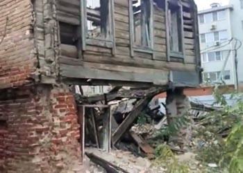 Трущобы центрального района Астрахани вновь шокировали интернет-пользователей