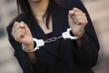 В Астрахани задержаны взяточницы из службы стройнадзора