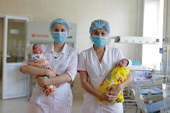 Астрахань обогатилась тысячами новорожденных