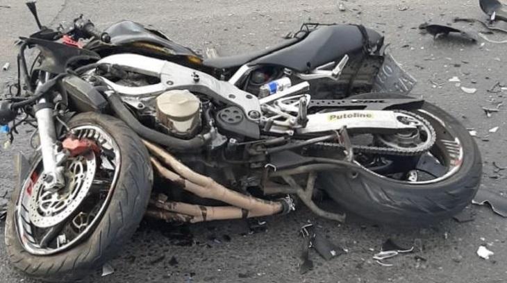 В Астрахани в ужасной аварии погиб мотоциклист