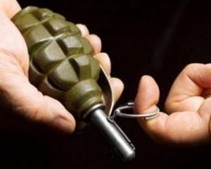 Астраханец хотел убить гранатой семейную пару с двумя детьми