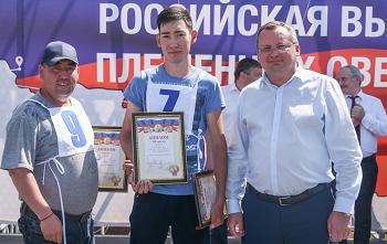 Игорь Мартынов и депутаты посетили выставку племенных животных