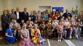 «Операция Улыбка»: лучшие хирурги России бесплатно помогли 43 юным астраханцам с «заячей губой»