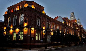Фотоаппарат за 357 тысяч рублей покупает управделами администрации астраханского губернатора