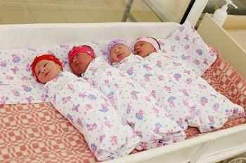На 8 марта астраханки рожали девочек