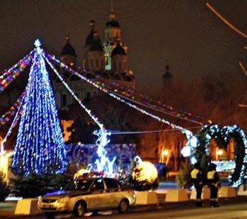 Обзор новогодних ёлок в Астрахани