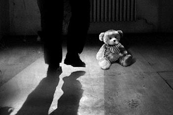 Великовозрастный педофил семь лет насиловал двоих детей
