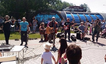 Борис Гребенщиков и «Аквариум» снова сыграют на улице в Астрахани