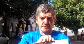 Астраханский оппозиционер Стенин требует 5 миллионов рублей за незаконное преследование