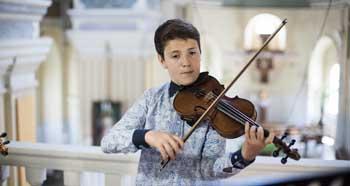 Семья астраханского виртуоза победила на всероссийском конкурсе