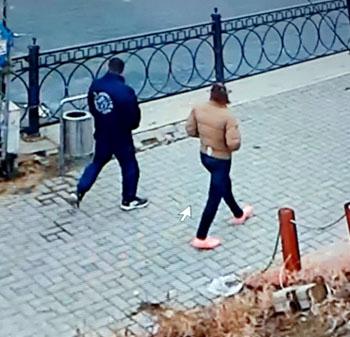 Астраханская парочка украла забор пива ради