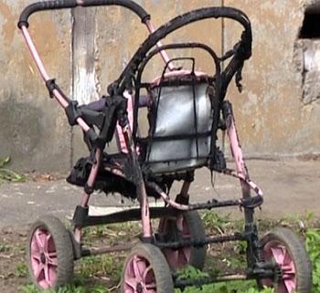 В Астрахани загорелась детская коляска