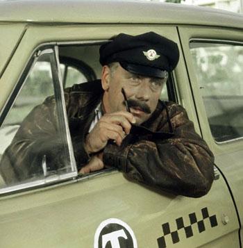 Работающая в таксопарке Астрахани пара «в шутку» угнала такси