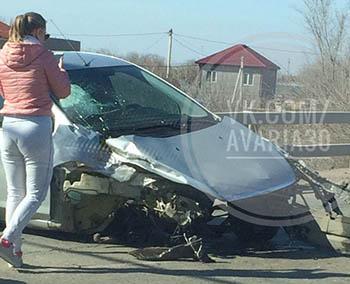 В серьёзной аварии в Астрахани на мосту пострадали два водителя. Регистратор зафиксировал момент ДТП