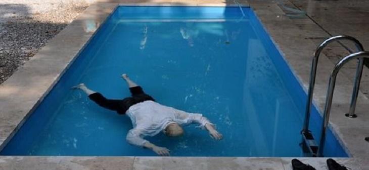 Астраханский пенсионер найден мёртвым в собственном бассейне