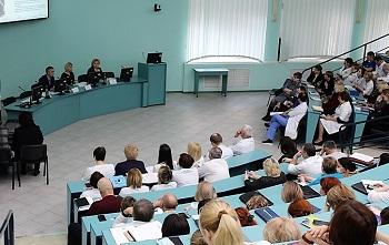 В Александро-Мариинской больнице каждая вторая операция высокого уровня сложности