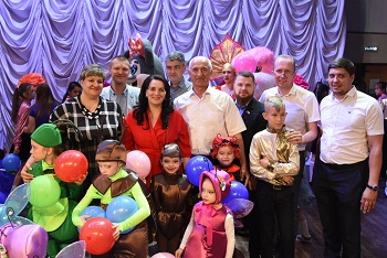 Радужные нотки астраханских детей и городских депутатов