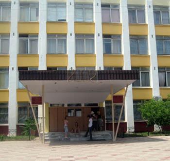 Обучение детей в отравленной ядом астраханской школе №74 частично прекращено