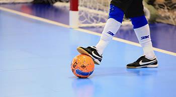Важный матч по мини-футболу, праздничный пробег, водное поло, гандбол и шашки. Не пропустите!