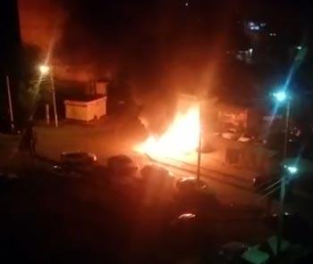 Ночью в Кировском районе Астрахани полыхала иномарка