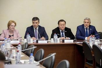 Министр здравоохранения, согласилась с Леонидом Огулем, что расходники для инсулиновых помп детям должен финансировать бюджет