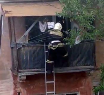 Астраханские пожарные тушили кастрюлю с супом