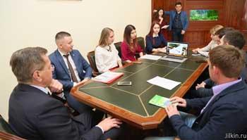 Молодёжные проекты: питьевые фонтанчики, фестиваль штангистов, мастерская в башне кремля