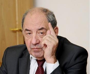 Член Общественной палаты России Игорь Шпектор инспектирует состояние ЖКХ в Астраханской области