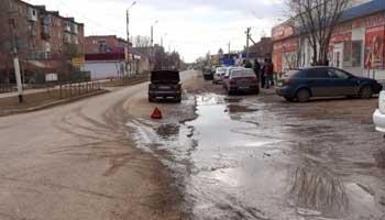 """Утром в Камызяке  """"шестеркой"""" сбит мотоциклист"""