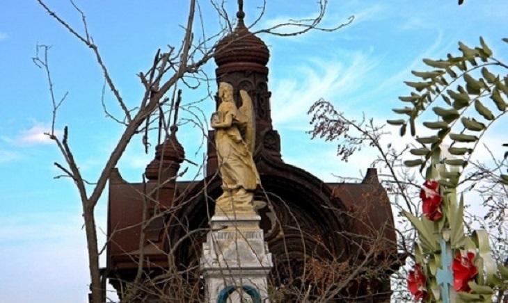 Астраханские кладбища вновь доступны для посещений