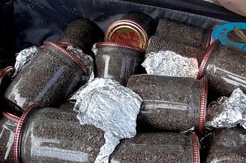 В Астраханской области задержали девушку с чемоданом икры