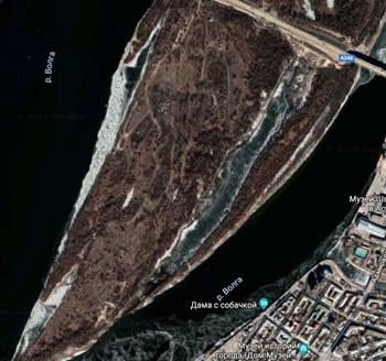 В Астрахани ЧП: горит городской остров