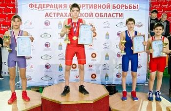 В Астрахани прошел Открытый кубок губернатора по спортивной борьбе