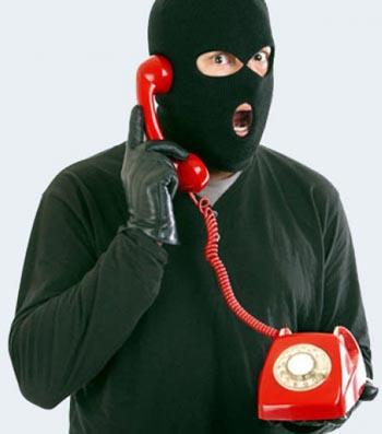 Телефонный мошенник из Татарстана обманул астраханку