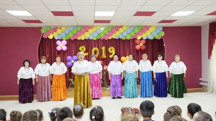 Астраханский губернатор поздравил людей «третьего возраста» с их праздником