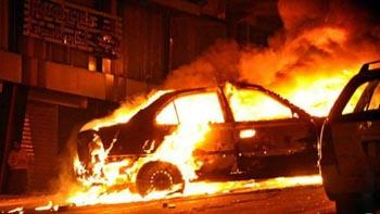 В Астрахани подожгли два автомобиля