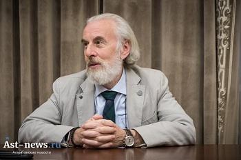 Кто угрожает астраханцам: секты, депутаты, политические партии? Интервью с профессором-сектоведом Александром Дворкиным