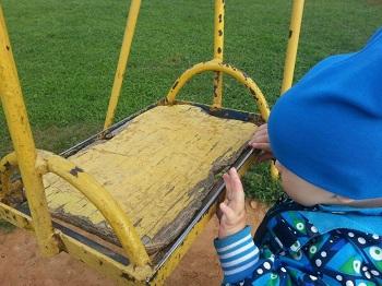 Детские площадки в Астрахани действительно опасные
