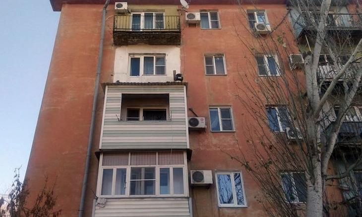 Подробности инцидента с рухнувшим балконом в Астрахани