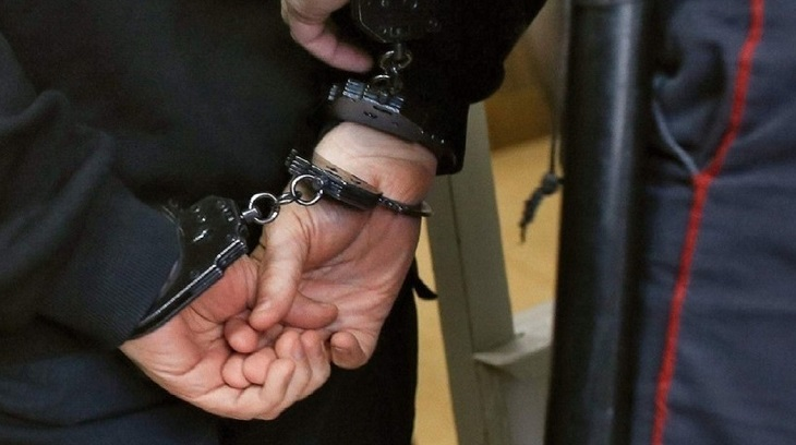 Астраханец, стрелявший в московского полицейского, получил 13 лет
