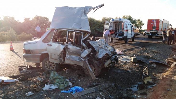 В автокатастрофе под Астраханью погибли два водителя