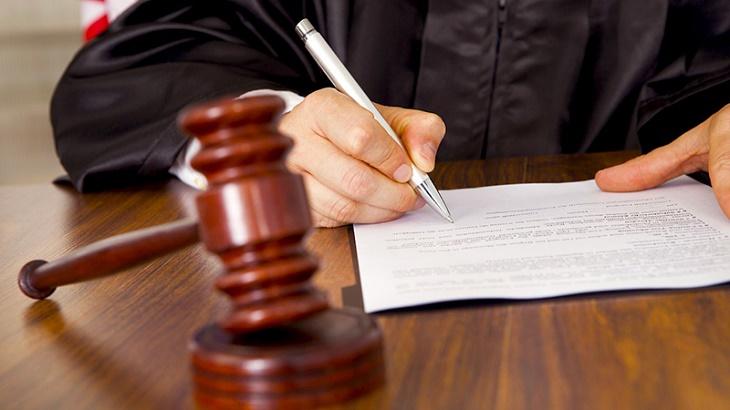 Фемида пожалела астраханскую чиновницу, совершившую преступление
