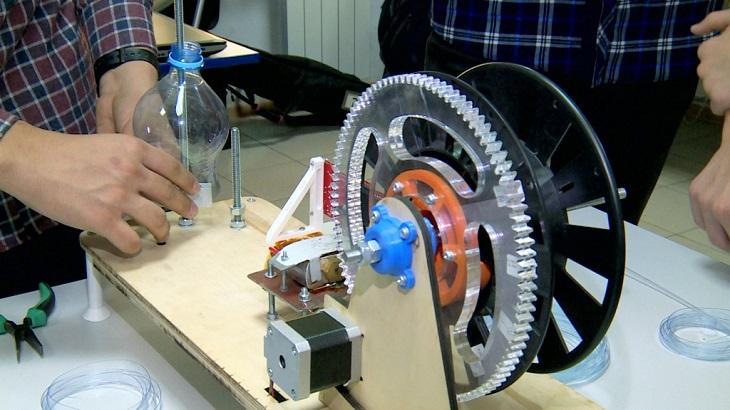 Юные астраханцы изобрели уникальный аппарат